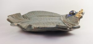 large_green_fish_goldlips_platter_side
